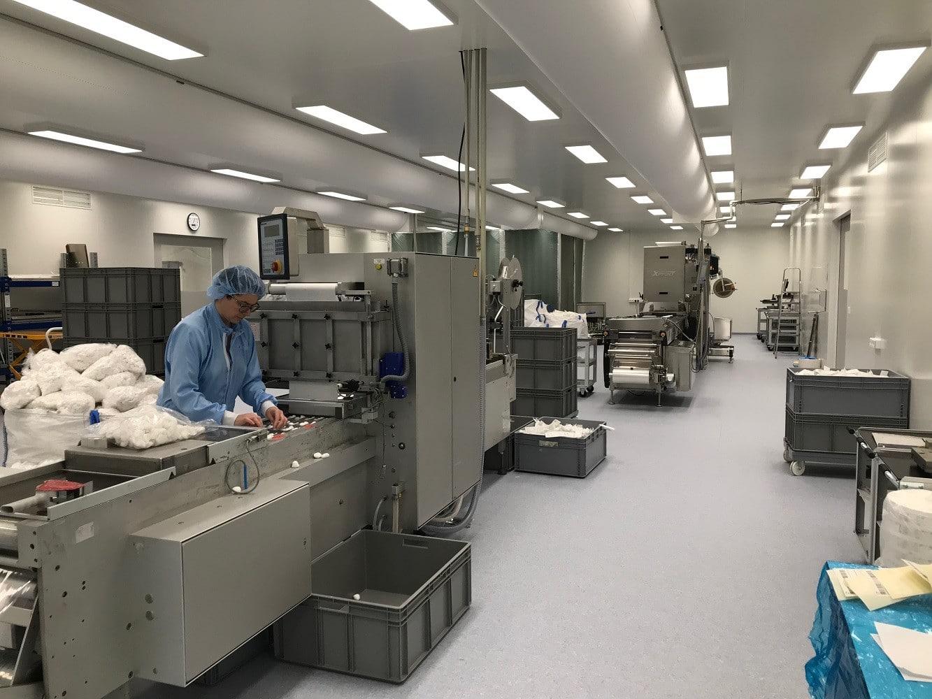 Verpackungsmaschine in neuer Produktion in Habartov